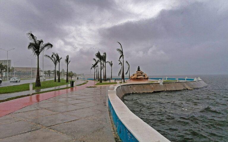 """""""Cristóbal"""" deja inundaciones y afecta a más de mil 600 familias en Quintana Roo"""