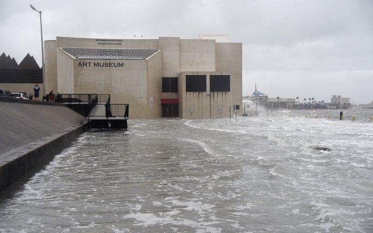 El presidente Donald Trump declaró el estado de emergencia en Texas por el impacto del huracán Hanna