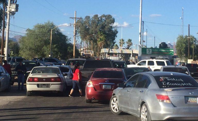 Bloquean paso a extranjeros en  frontera de Sonoyta