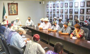 Presidente Ramón Díaz se reúne con comisariados ejidales