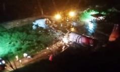 Fuselaje de avión en India se parte en dos durante aterrizaje; reportan muertos y heridos