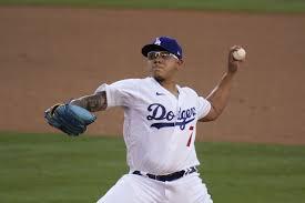Dodgers derrotan a Angelinos