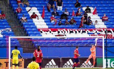 Aficionados regresan a los estadios en Estados Unidos