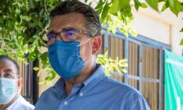 Invita Enrique Clausen a vacunar a perros y gatos contra la rabia