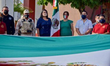 Realizan lunes cívico conmemorando el mes de la patria