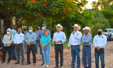 Presidente Ramón Díaz visita la colonia Elurdes Flores anunciando obra de agua potable
