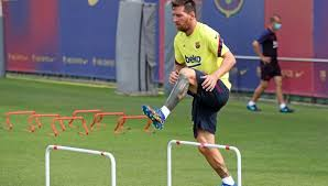 Lionel Messi realizó su primer entrenamiento en Barcelona luego de su conflicto con el club