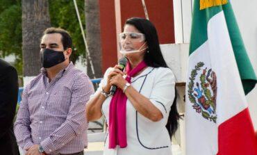 Realizan ceremonia cívica conmemorando el Día de la Raza