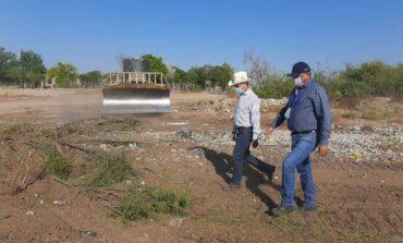 Presidente Ramón Díaz supervisa los trabajos de limpieza en el barrio del Sifón