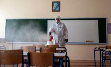 Nueva York cerrará otra vez escuelas el jueves por repunte de COVID-19