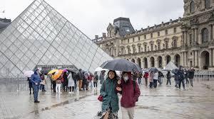 Francia supera los 2 millones de contagios de COVID-19; España el millón y medio