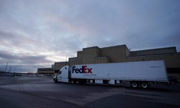 Primeros camiones comienzan a distribuir la vacuna de Pfizer en Estados Unidos