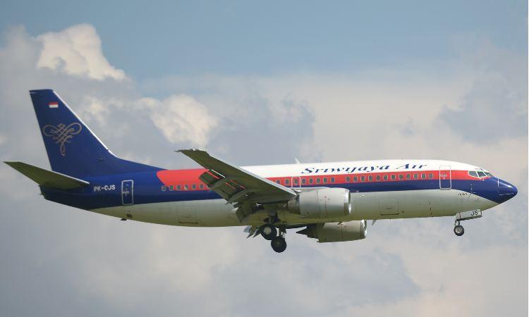 Indonesia confirma caída al mar de avión con 56 pasajeros